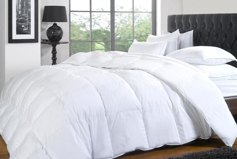 13.5 & 15 Tog Hotel Quality Duck & Down Duvet – 4 Sizes! (£16.99)
