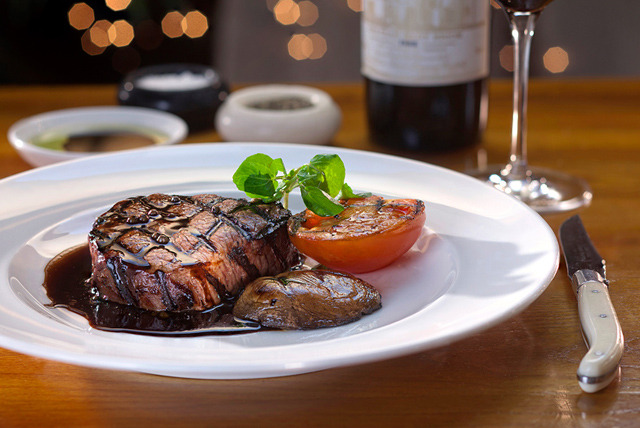 £36 instead of up to £73.30 for a steak meal for 2 inc. chips & wine at Harry's Bar, Abchurch Yard - save up to 51%