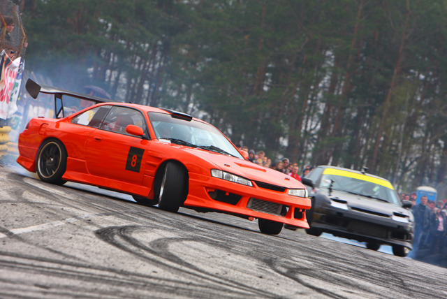 £29 instead of £49 for a drift battle racing experience, £89 for a drifting starter experience at Driftland UK, Lochgelly – save up to 41%
