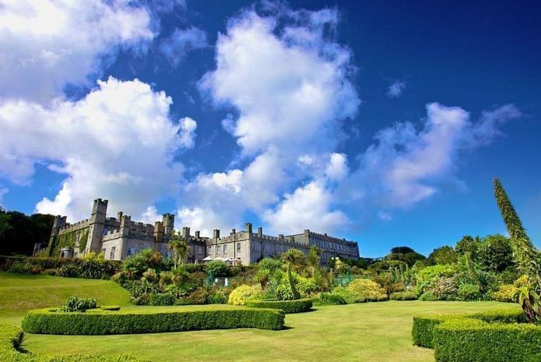 UK Seaside: 2nt Luxury Cornwall Castle Stay, Welcome Drink & Cream Tea