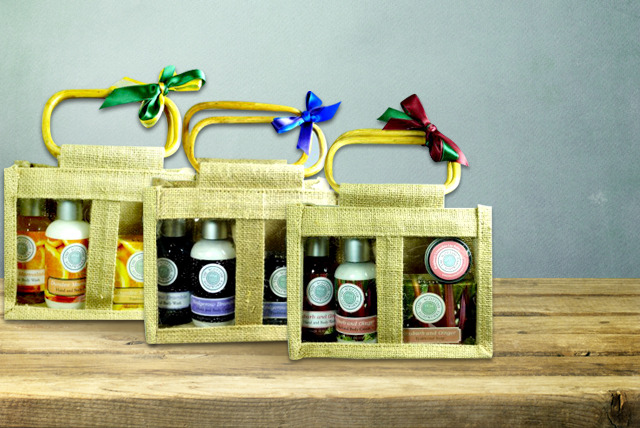 £9.99 instead of £16.95 (from The Scottish Soapworks) for a 4-piece Fruity Fusions bodycare gift bag - save 41%