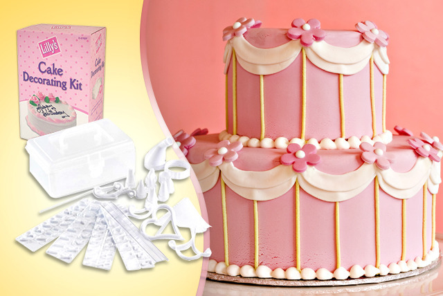 £6 instead of £19 (from Urshu) for a 100-piece cake decorating kit - save a super sweet 68%