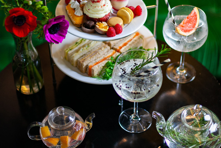 Beauty: Luxury Spa Experience & Gin Afternoon Tea for 2 @ 5* Crowne Plaza