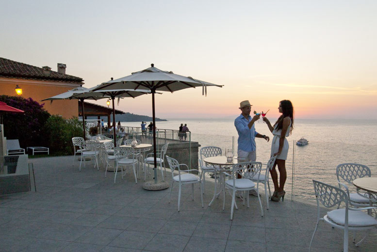 Beach Holidays: 4* Luxury Sorrento Clifftop Resort & Flights - Infinity Pool!