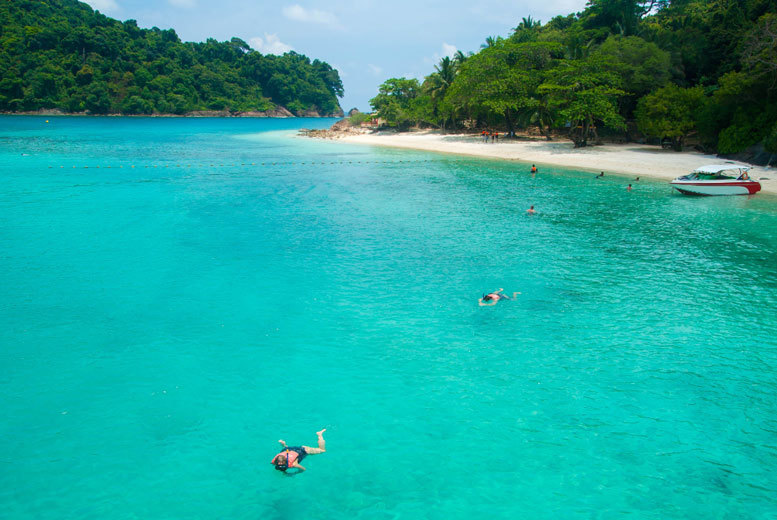 Long Haul & Cruises: Bangkok & Pattaya - Snorkelling, Cabaret & Zipline Optional Tours!