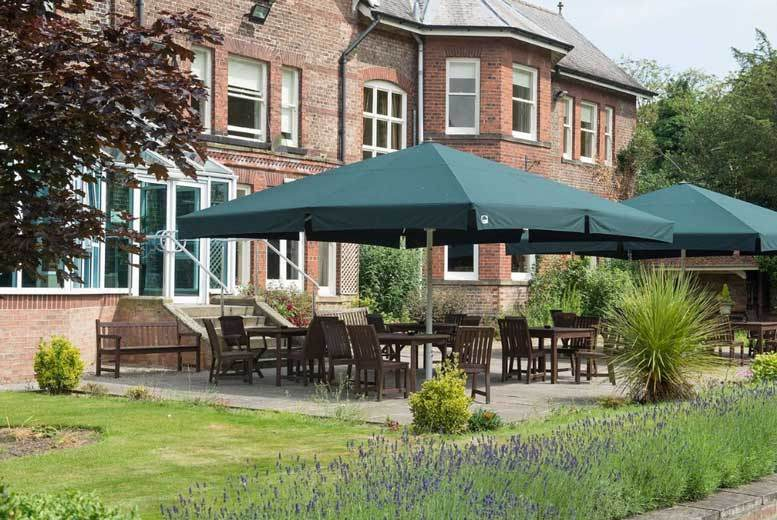 Spas & Country House: North Yorkshire Getaway, Cream Tea & Bird of Prey Centre Tkts For 2