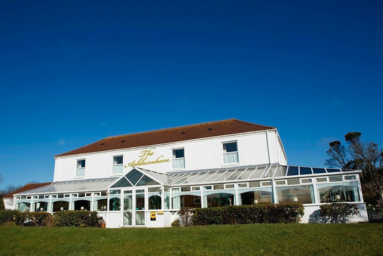 UK Seaside: 1-2nt Llanelli Stay, Breakfast & Late Checkout