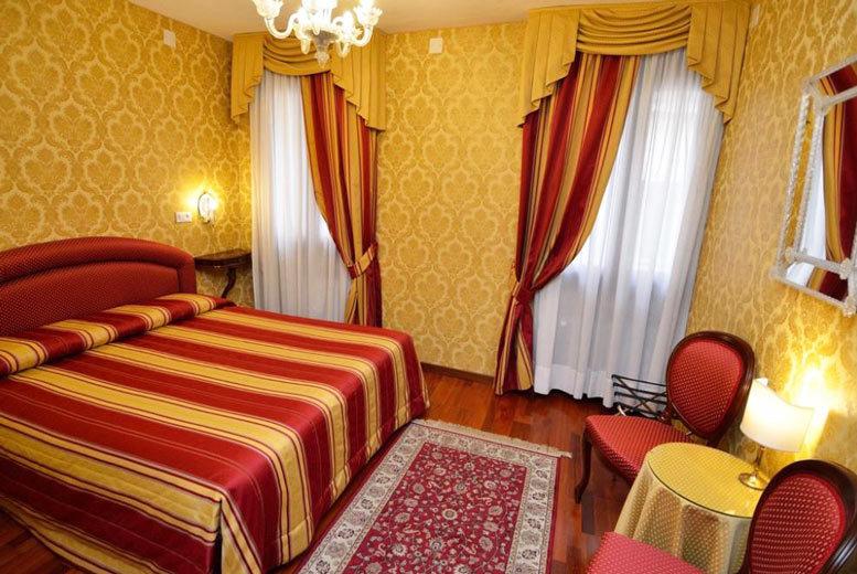 European City Breaks: Award-Winning Venice Hotel, Breakfast & Flights - Near Rialto Bridge