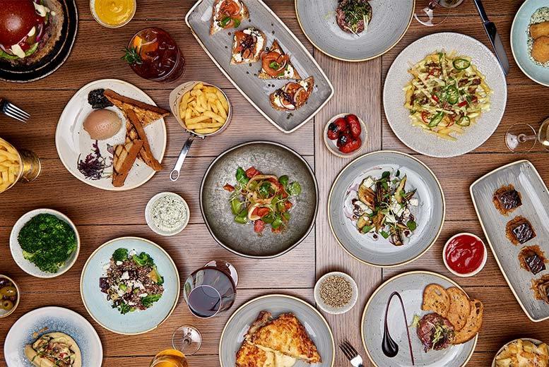 Restaurants & Bars: 3-Course Gourmet Dining & Carafe of Wine for 2 @ 5* Hilton Bankside