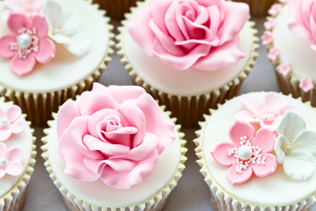 £19 instead of £70 for a cupcake and cake decorating class or a sugar animal making class at Molly's, Edinburgh - save 73%