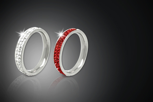 £9 instead of £40 (from Cian Jewels) for a Swarovski Elements eternity ring - choose from red or white and save 78%