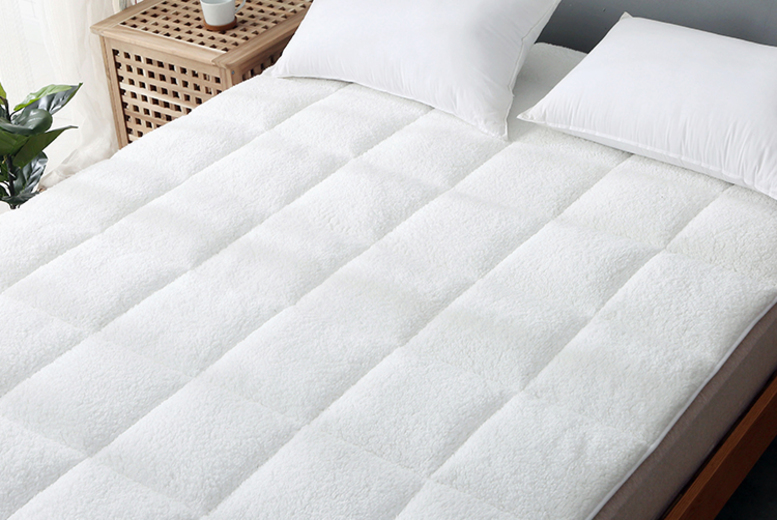 Sherpa Fleece Mattress Topper – 5 Sizes! (£16.99)
