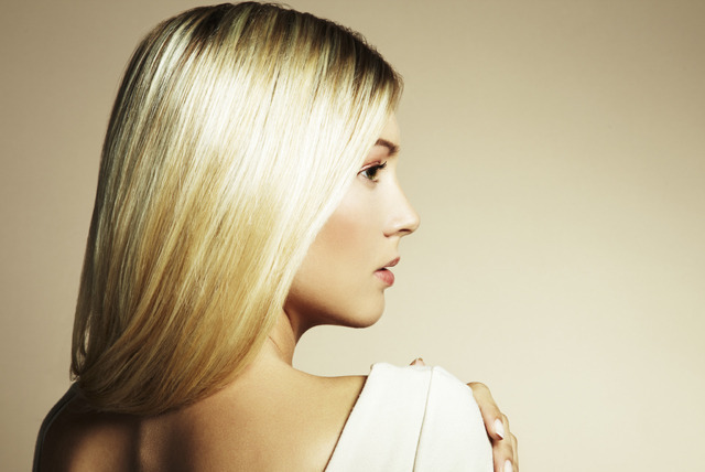 £19.99 instead of up to £82 for a T-bar or half head of highlights, cut and blow dry at Oceanic Hair & Beauty, Glasgow - save up to 76%