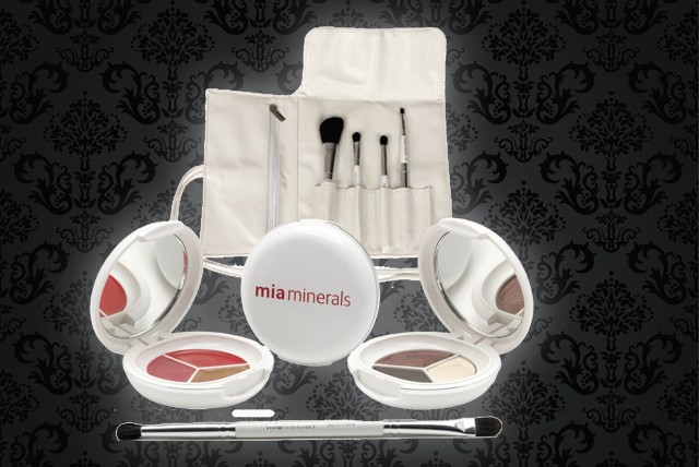 £19.99 instead of £64.46 (from Mia Minerals) for a makeup set inc. 5 brushes, eyeshadows & glosses – save 69%