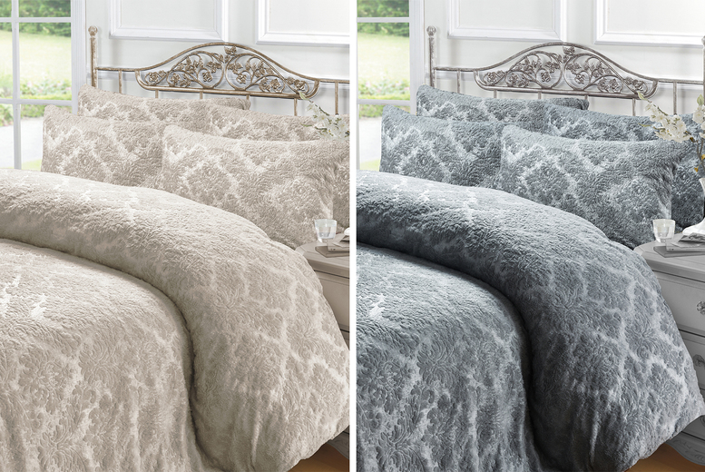 Embossed Teddy Fleece Damask Duvet Cover Set – 4 Sizes! (£21.99)