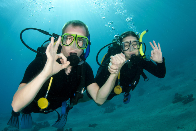 £9 instead of £25 for a 135-min Valentine's 'Discover Scuba' course for couples at Clubsub Diving & Snorkelling Centre, Stoke-on-Trent - save 64%