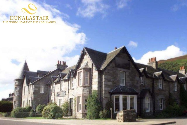 £99 instead of up to £190 for a 2 night stay for 2 with breakfast each morning and a bottle of wine at Dunalastair Hotel, Perthshire - save up to 48%