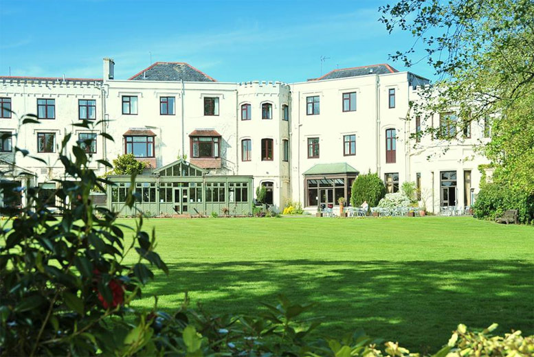 £99 instead of up to £258 (at Lyndhurst Park Hotel) for a 2nt break for 2 people inc. b'fast, two-course dinner & late checkout - save up to 62%