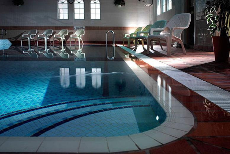 £59 (at Queens Hotel & Spa, Bournemouth) for a 1nt stay for 2 inc. b'fast, cream tea & spa access, £99 for 2nts - save up to 46%