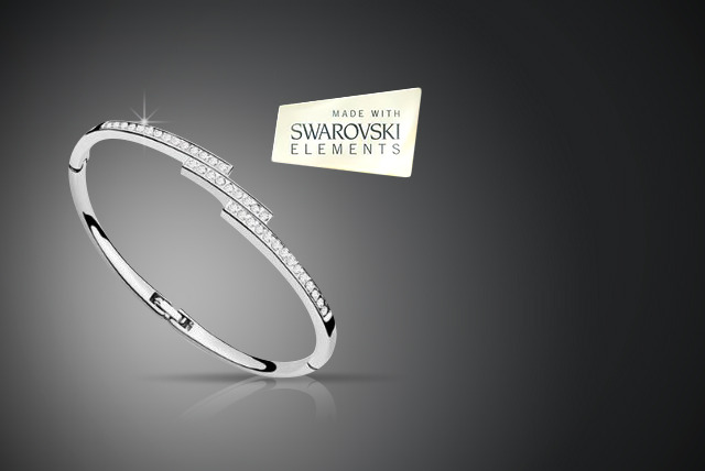£10 instead of £39.99 (from Simply Jewellery) for a silver-plated Swarovski Elements bangle - save 75%