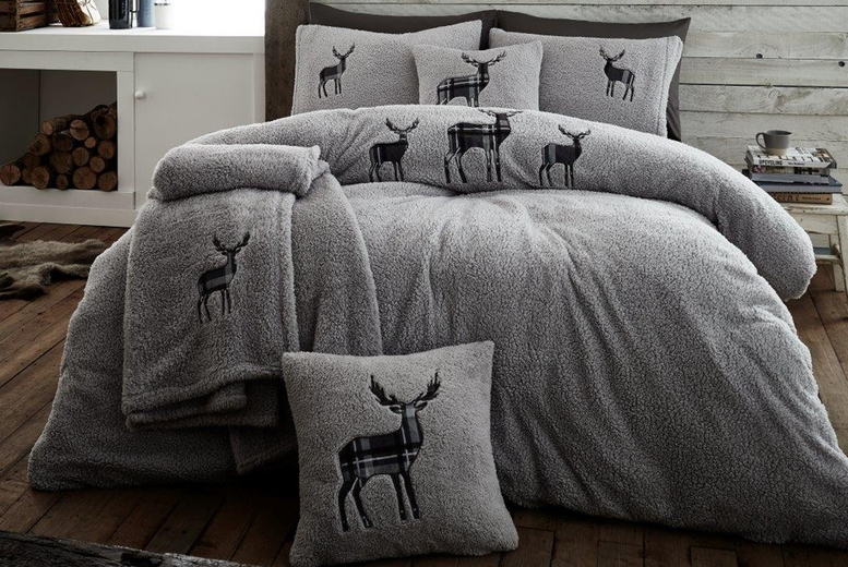 Stag Teddy Fleece Duvet Cover Set – 4 Sizes & 5 Colours! (£19.99)