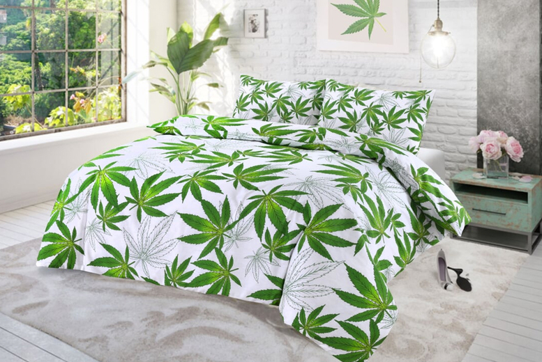"""˜Exotic Leaf' Bedding Set – 4 Sizes & 3 Colours! (£9.99)"