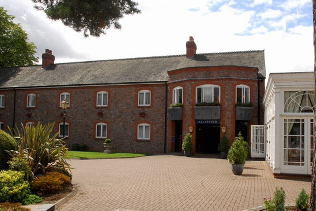 £69 (at Quorn Country Hotel) for a 1nt stay for 2 inc. glass of wine & b'fast, with 2-course dinner for £99 - save up to 42%