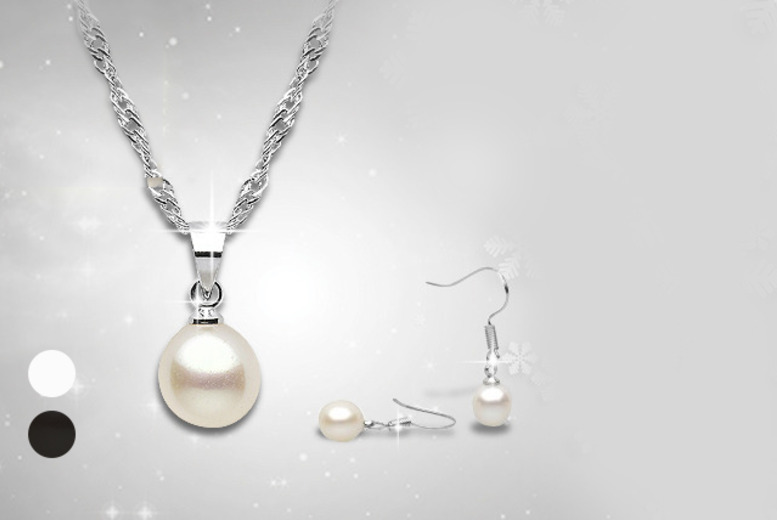 £9.99 instead of £43 (from The Gemseller) for a black or white pearl necklace and earrings set - save 77%