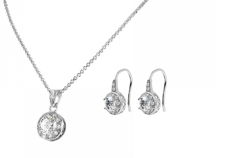 Pendant and Drop Earrings Set made with Crystals from Swarovski ®