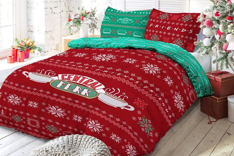 Friends Christmas Sweater Bedding Set (£17.99)