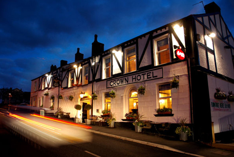 £39 (at The Crown at Worthington) for a 1nt stay for 2 people including full English breakfast, £69 for 2nts - save up to 38%