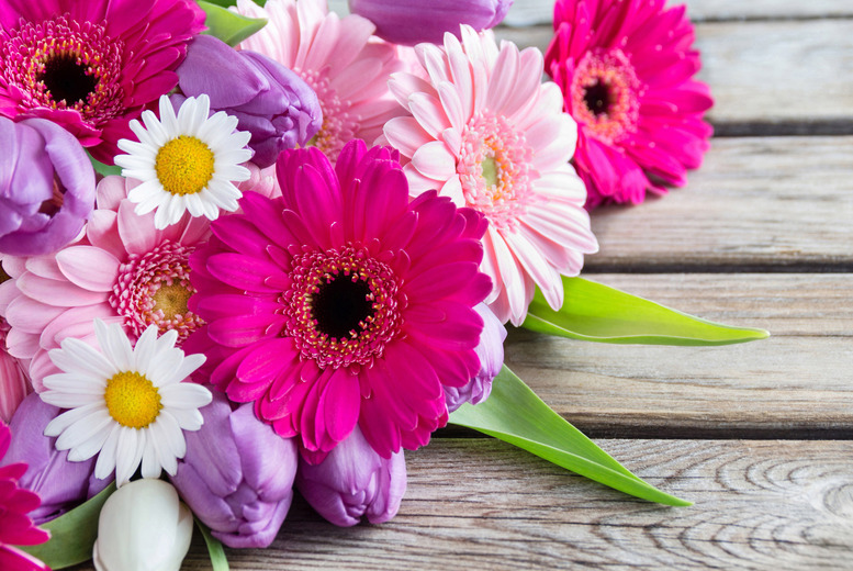 £29.99 instead of £40 for a Valentine's Day hand-tied bouquet to collect from The Personal Touch Flowers, Leicester  - save 25%