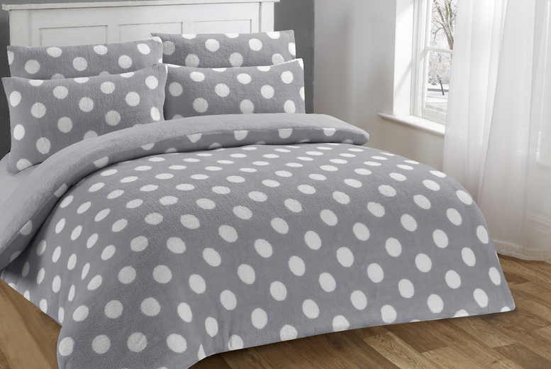 Dotty Soft Sherpa Fleece Duvet Cover Set – 4 Sizes & 3 Colours! (£19.99)