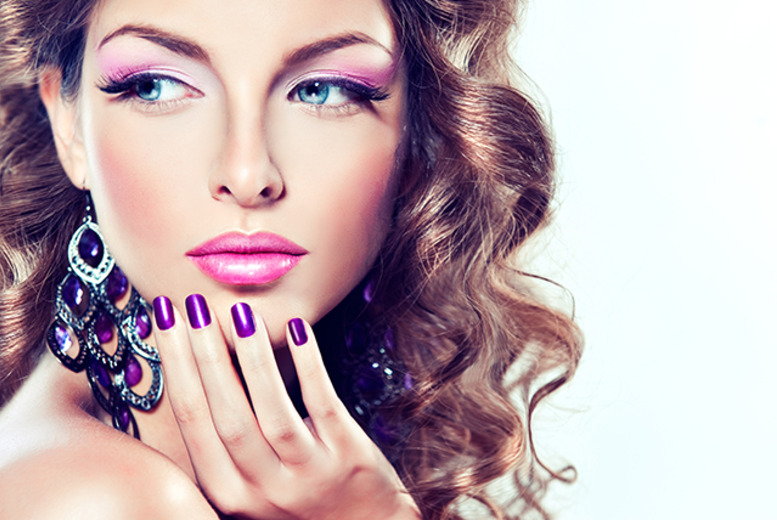 £14 instead of £35 for a 3-step Essie manicure at H2O Hair and Beauty, Nottingham - save 60%