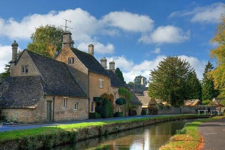 £49 instead of £89 (at Crown Hotel Blockley) for a 1nt Cotswolds stay for 2 including full English breakfast, £99 for 2nts - save up to 45%