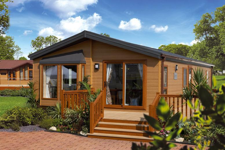 £79 for a 1nt stay (at Flamingo Land) for up to 6 people in a self-catered holiday home inc. 2-day zoo tickets, £89 in a log cabin - save up to 51%