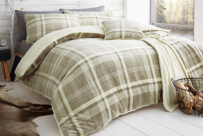 Checked Teddy Fleece Duvet Cover – 3 Sizes & 3 Colours! (£19.99)