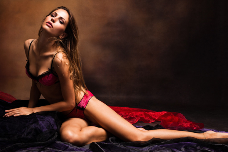 £9 for a boudoir makeover & photoshoot for one person inc. print, or £14 for a couples makeover & photoshoot at Love It Studios - save up to 70%