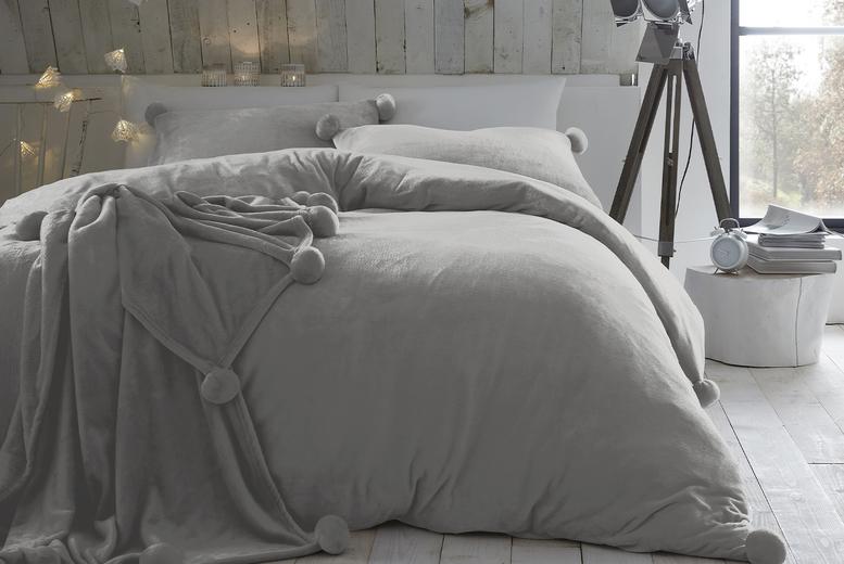 Pom Pom Fleece Duvet Cover Set - 7 Colours and 3 Sizes!