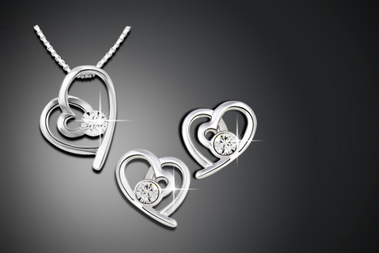 £12.99 instead of £54.99 (from Jewellery Company) for a Swarovski Elements heart duo set - save 76%
