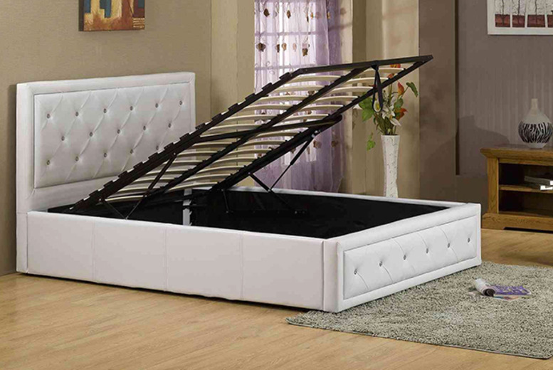 £169 instead of £579 (from FTA Furnishing) for a double Ottoman storage diamante bed in black or white, £195 for a king size - save up to 71%