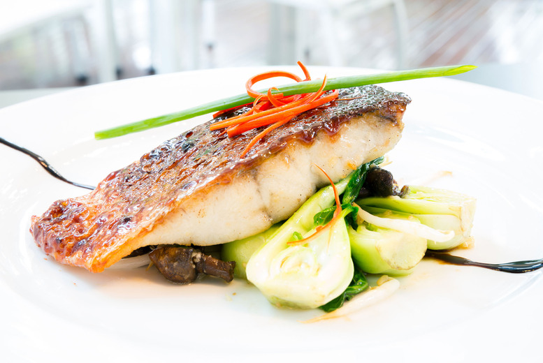 £59 for a 3-course meal for 2 inc. a champagne cocktail each & chocolates at The Axis Bar & Kitchen, Hilton Islington