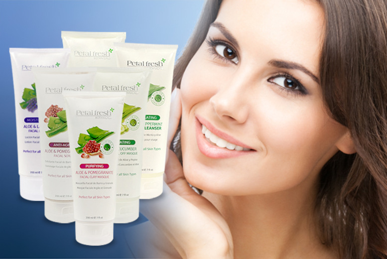 £14 instead of £29.70 (from Eseller2u) for a 6-piece facial cleansing kit inc. masques, scrubs, lotion and cleanser – get silky-smooth skin and save 53%