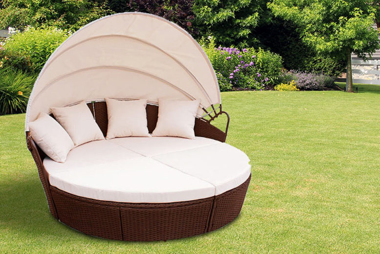 Brown Outdoor Rattan Bali Day Bed (£229)
