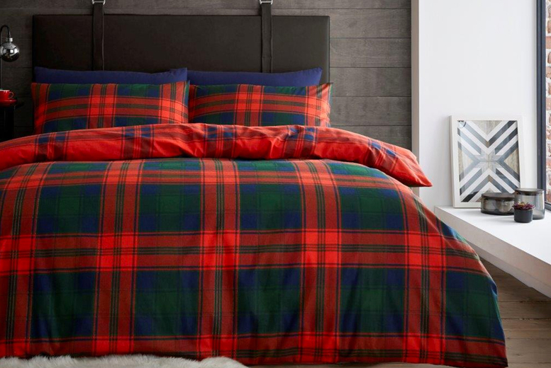£16.99 instead of £48.95 (from Victoria) for a single printed flannelette duvet cover set, £18.99 for a double set or £20.99 for a king size set – save up to 65%