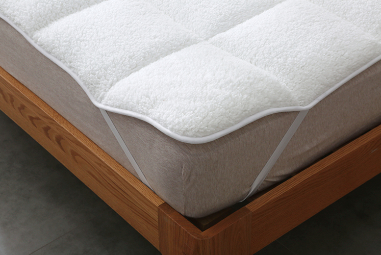 From £12.99 instead of £42.99 (from E-Home Store) for a cosy teddy fleece mattress topper – choose from five sizes and save up to 70%