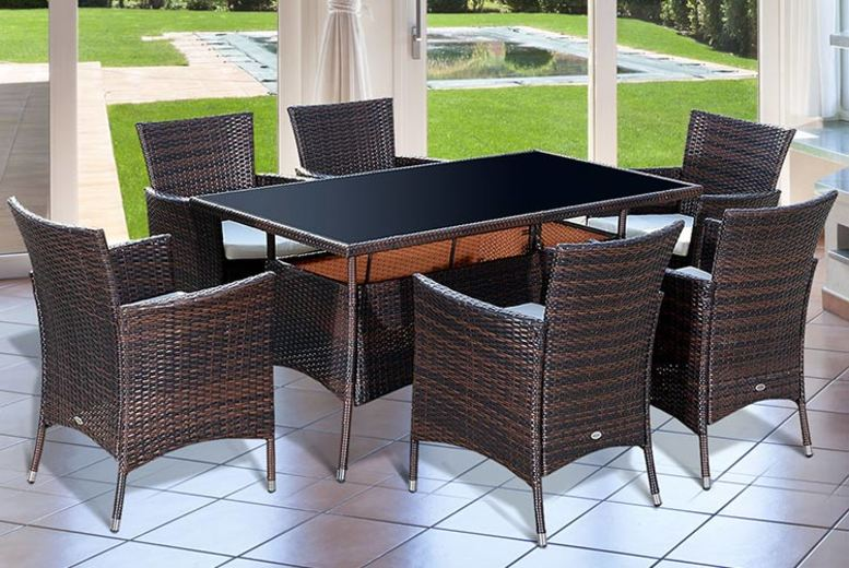 7-Seater Rattan Dining Set (£369)