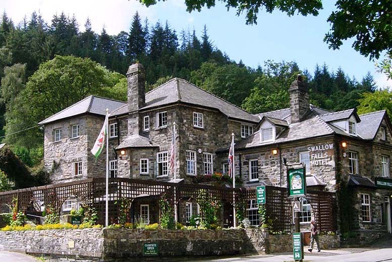 £99 instead of up to £173 (at Swallow Falls Hotel, North Wales) for a 2nt break for 2 inc. Welsh cream tea, breakfast and a sauna session - save up to 43%
