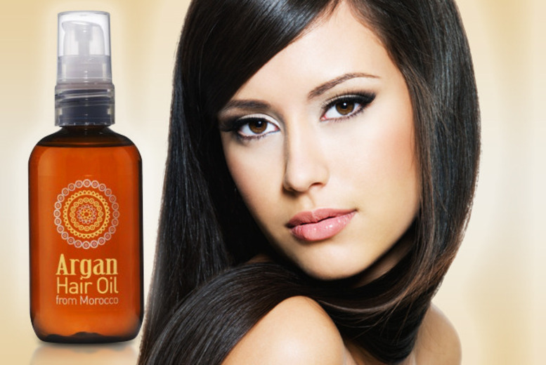 £9.99 instead of £44.99 (from BlushLook) for 100ml Moroccan Argan Hair Treatment Oil, £16.99 for 2 bottles or £24.99 for 3 - save up to 78%