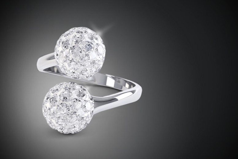 £9 instead of £59 (from Rocks of London) for a Swarovski Elements stardust ring - sparkle and save 85%